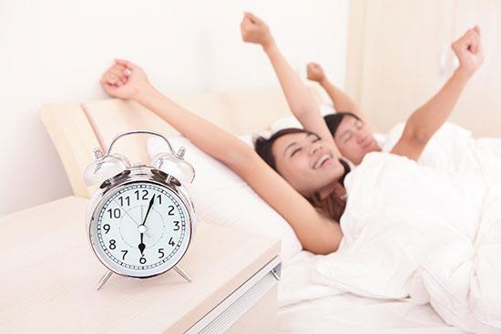 happy-couple-waking-6am